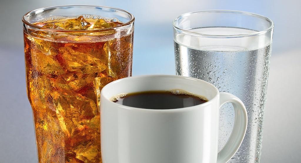 Како да престанете со користење на темни пијалоци